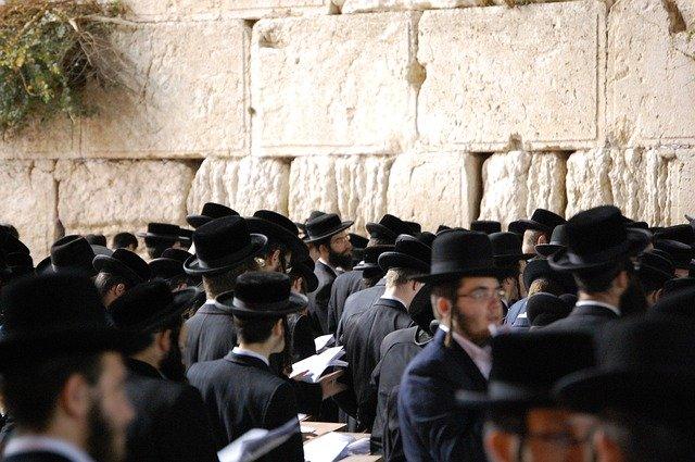 כיצד הדת משפיעה על הפוליטיקה הישראלית