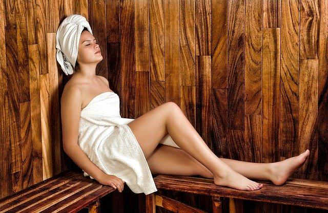 מהם היתרונות הבריאותיים של מקלחון סאונה?