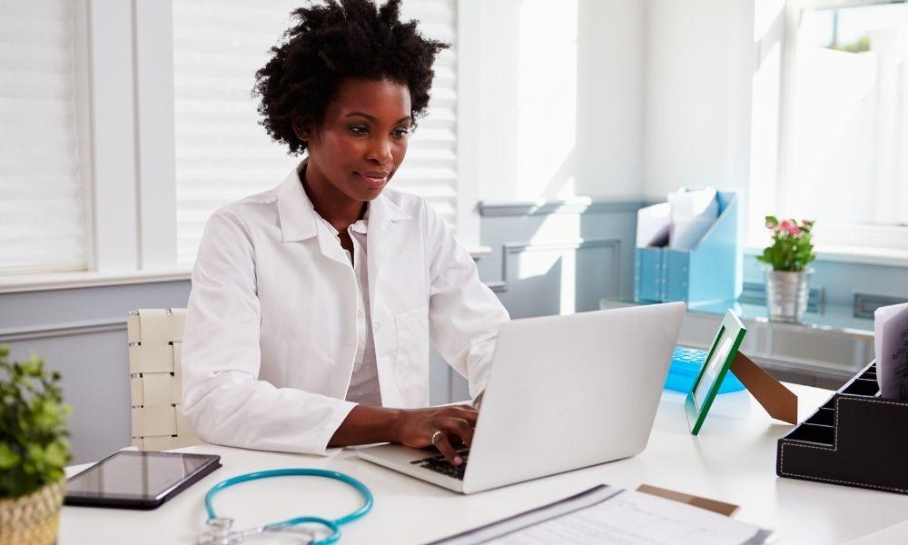 תוצאות סקר שנתי על בריחת שתן: מערכת היחסים בין רופאים למטופלים